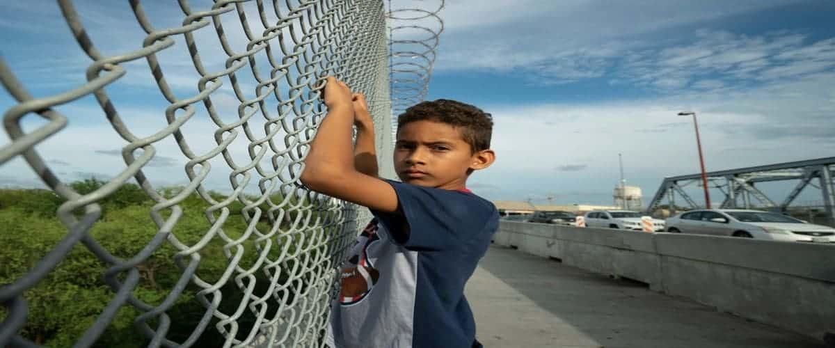 انواع روش های مهاجرت - مهاجرت با پناهندگی
