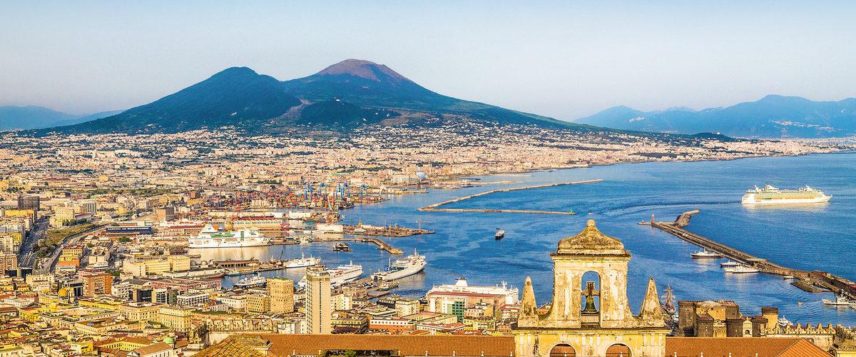 شهرهای ایتالیا-ناپل، رنگارنگ و اسرارآمیز